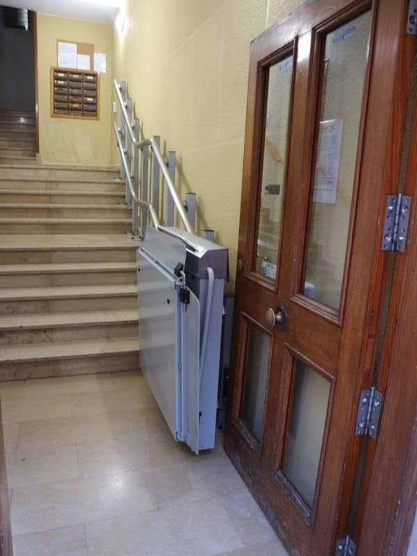 Plataforma salvaescaleras Andrómeda Plegada. Instalación en C. Propietarios en Burjassot (Valencia)