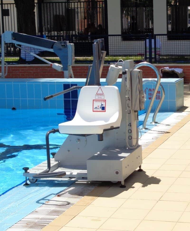 Elevador salvaescaleras de piscina Poseidon B400 Simotec Valencia