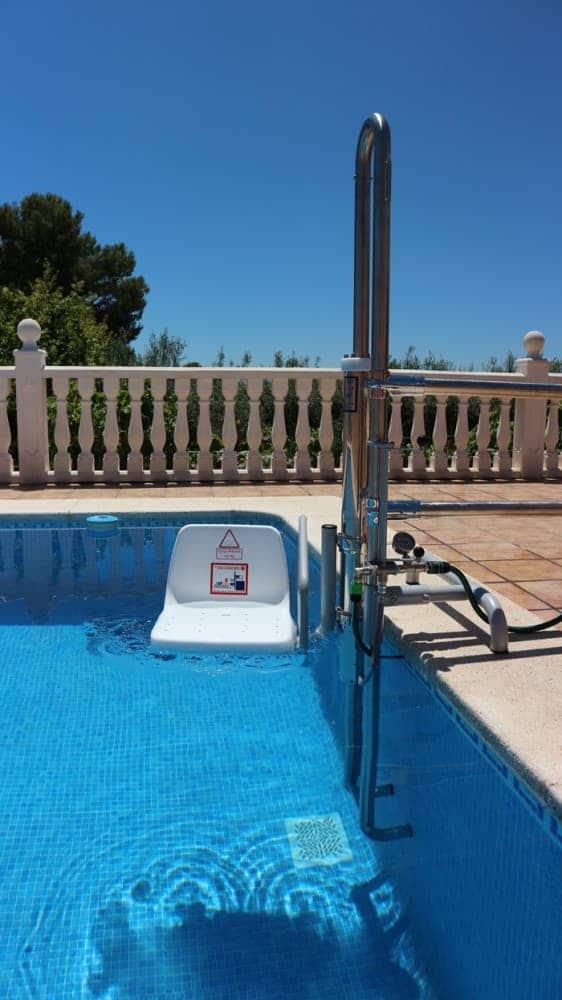 Elevador salvaescaleras piscina Simotec Poseidon 3 Valencia