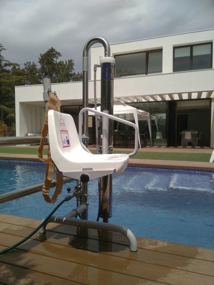 Elevador salvaescaleras piscina Simotec Poseidon 6 Alicante