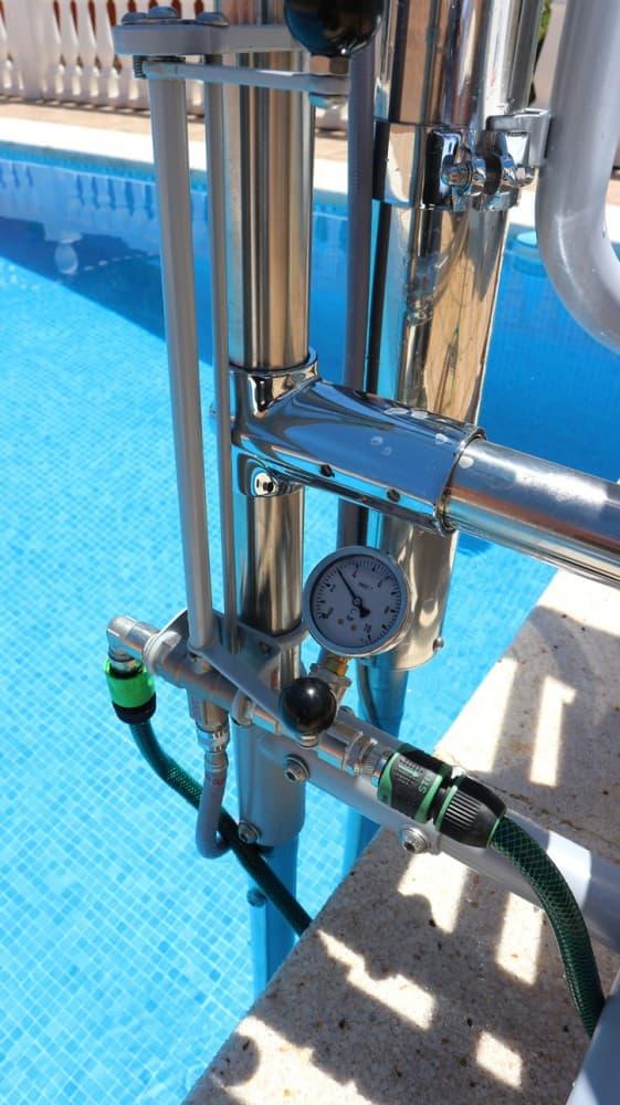 Elevador salvaescaleras piscina Simotec Poseidon Alicante