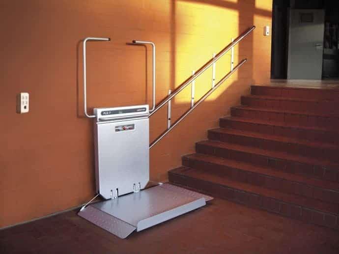 Plataforma elevadora Gea Excellence fijación pared