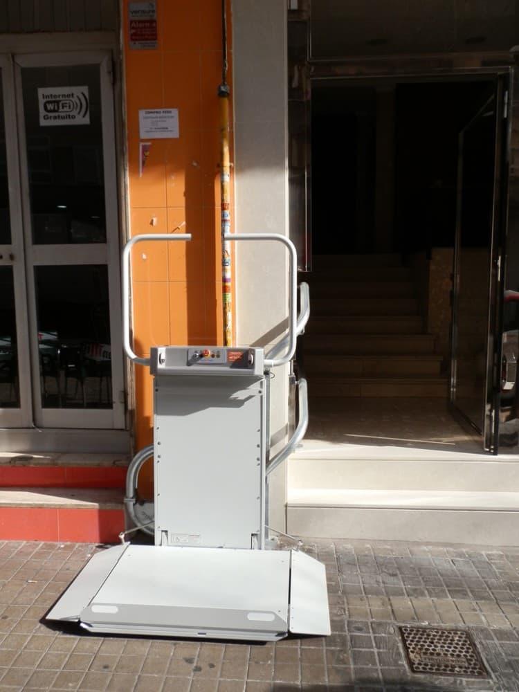 Plataforma salvaescaleras curva 1 Maya Simotec Valencia