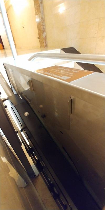 Plataforma salvaescaleras recta, con fijación al suelo, modelo Andrómeda