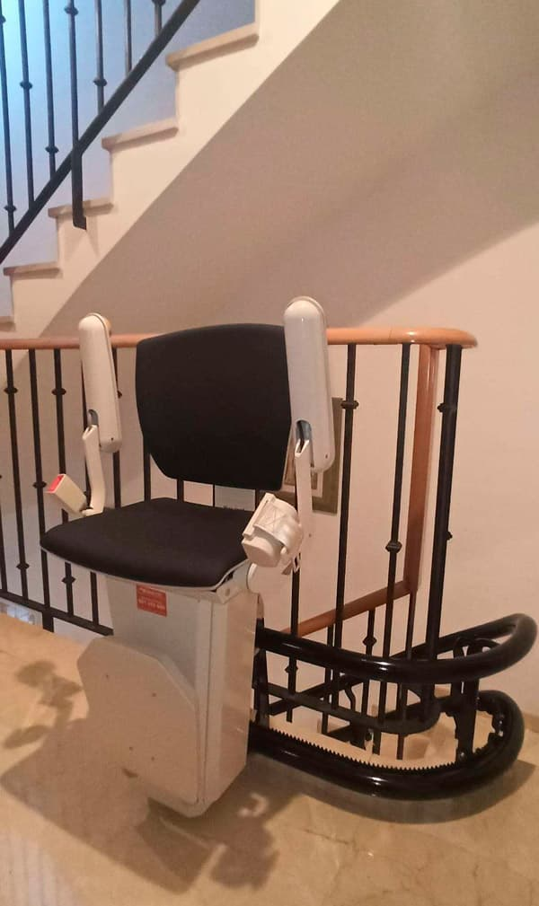 silla salvaescaleras elektra negra 4